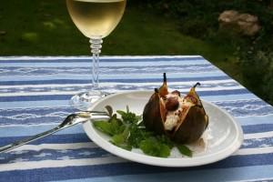 Fíky pečené s kozim sýrem