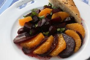 Salát z červené řepy s pomerančem
