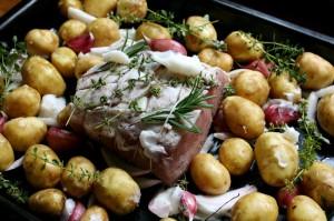 Vepřová pečeně s novými brambory