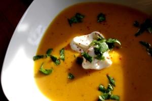 Dýňová polévka se žlutou čočkou