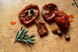 Focaccia se sušenými rajčaty