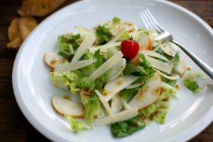 Salát s fenyklem a hruškou