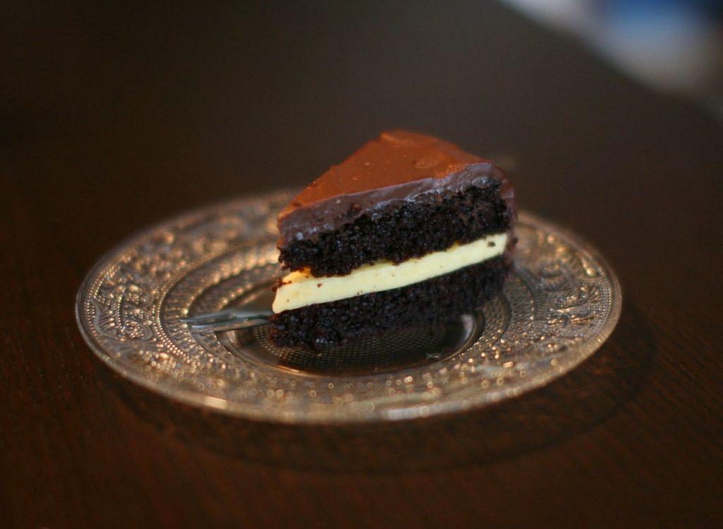 Čokoládový dort s mučenkou